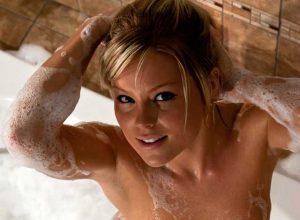Sexy Girl Bubble Bath