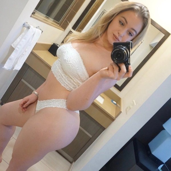 Thick Thighs Sexy Girl Nude