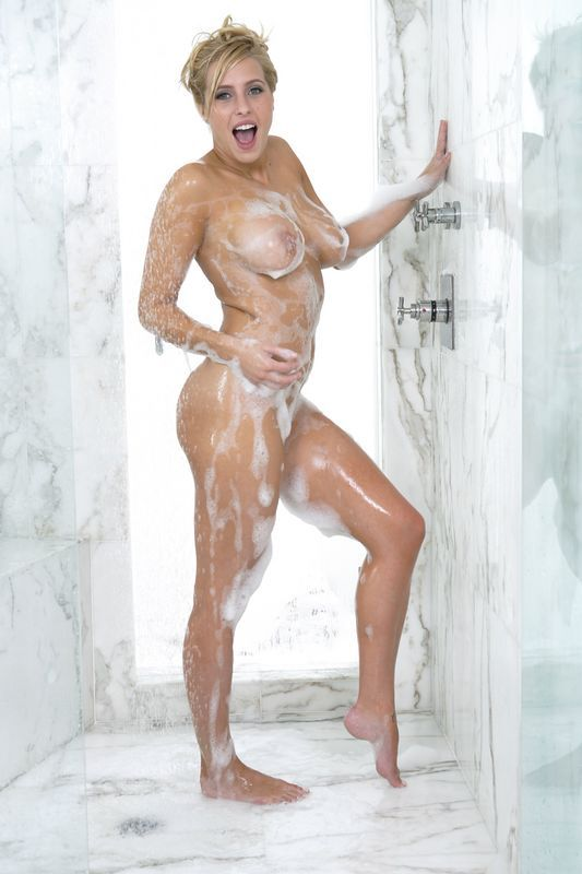 Shower Girl Nude Pic
