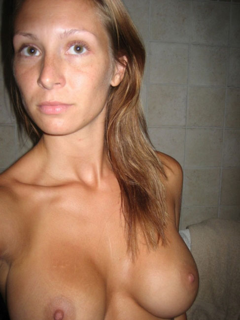 Real Housewive Sexy Nude Photo