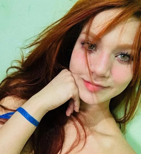 Sexy Redheaded Girl