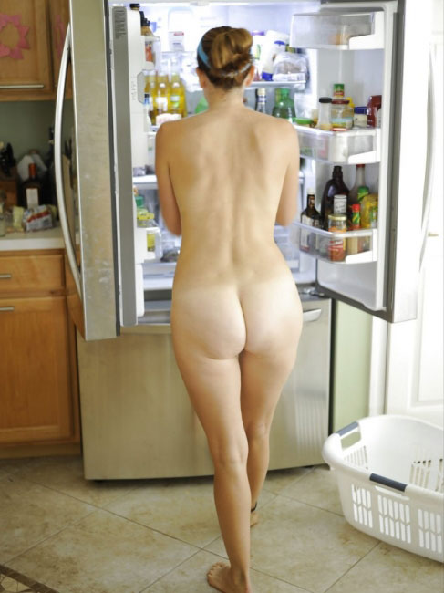 Naughty Girls In The Kitchen