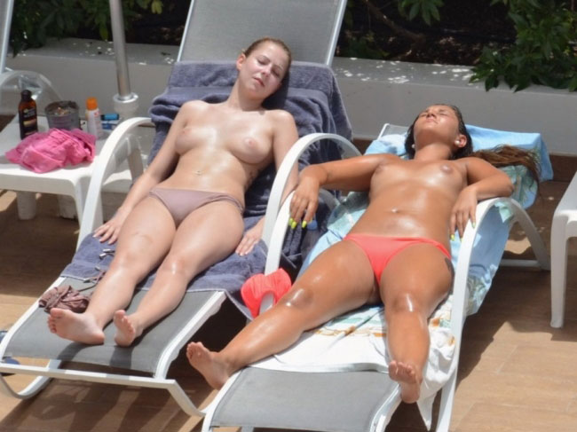 Sexy Girl Tanning