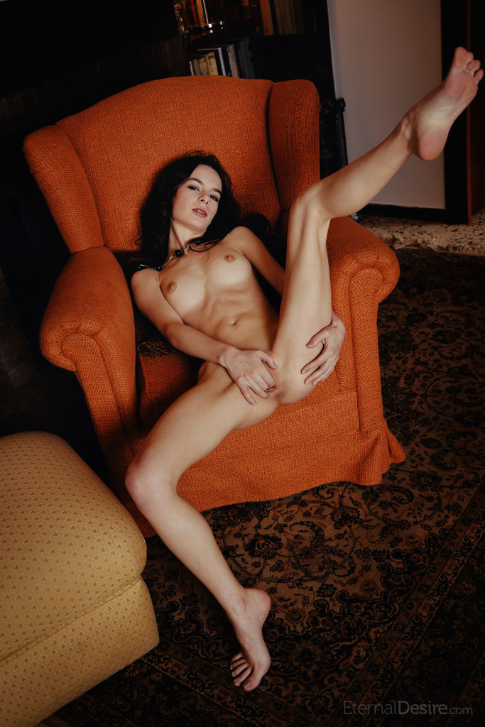 Debora A Naked Erotic Photoshot
