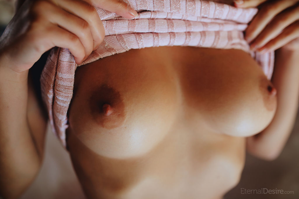 Gloria Sol Erotic Naked Picture