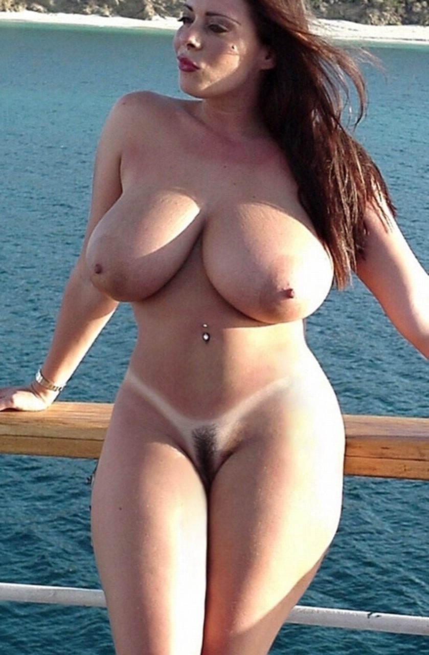 Hottest Busty Girls Nude Picture
