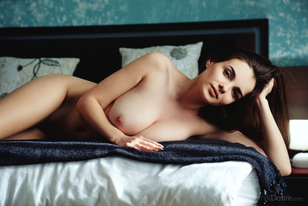 Big Boobed Girls Maible Nude Picture