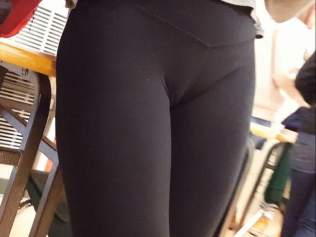 Sexy Girl Cameltoe