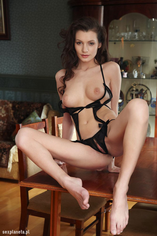 Hot Babe In Sexy Lingerie