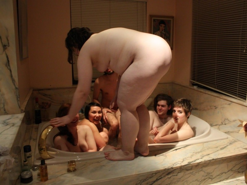 Bathing Nude Girl Picture