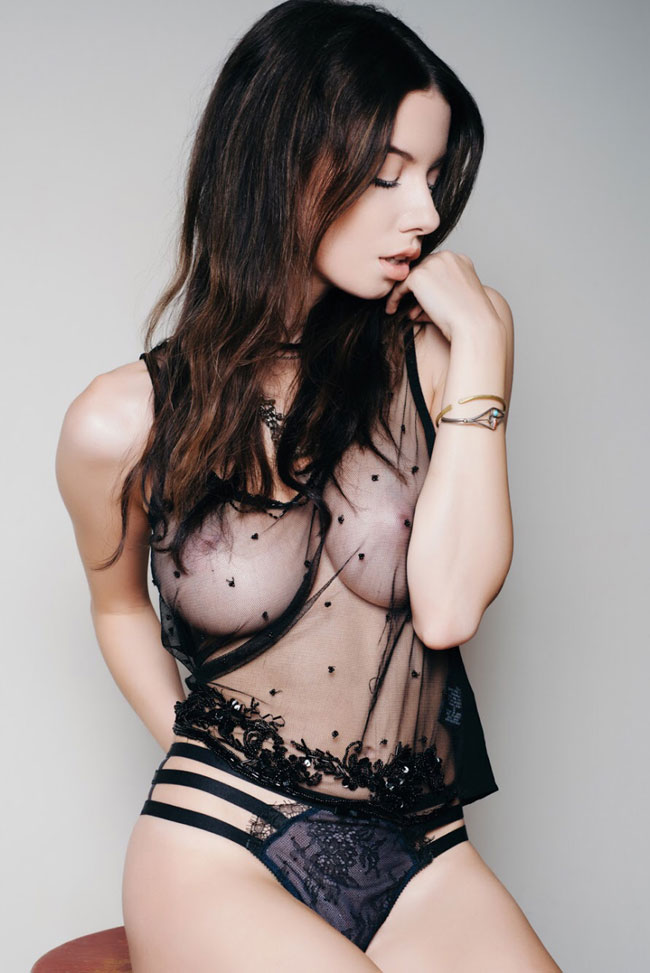 Hot Babe In Lingerie Sexy Picture