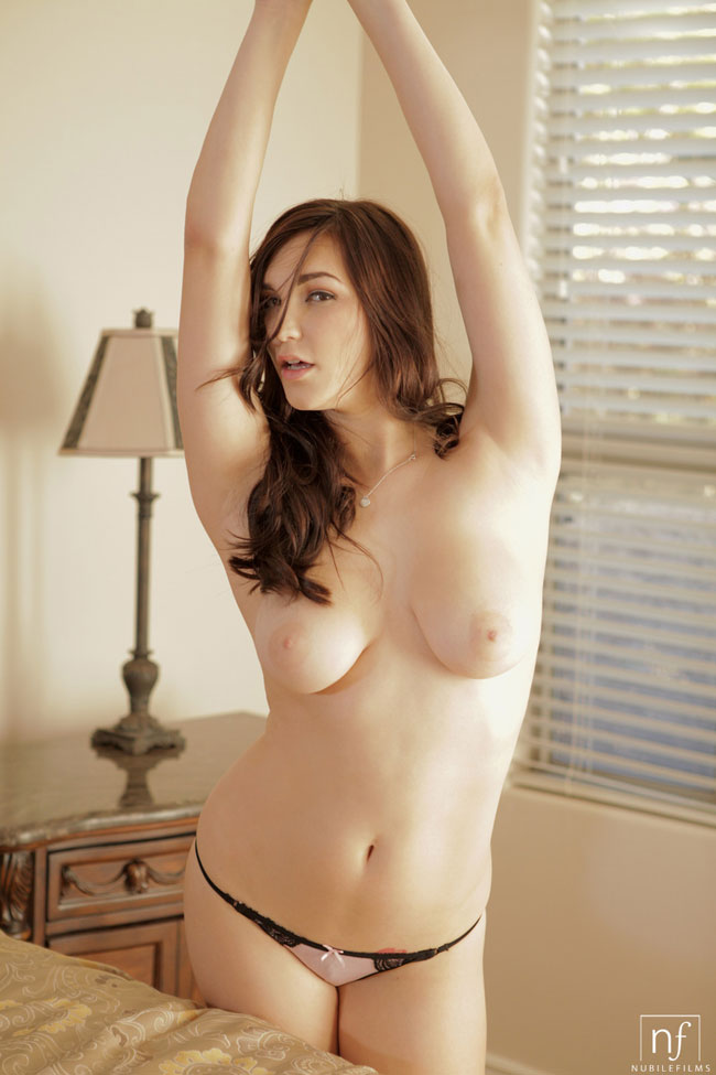 Holly Michaels Sexy Nude Photo