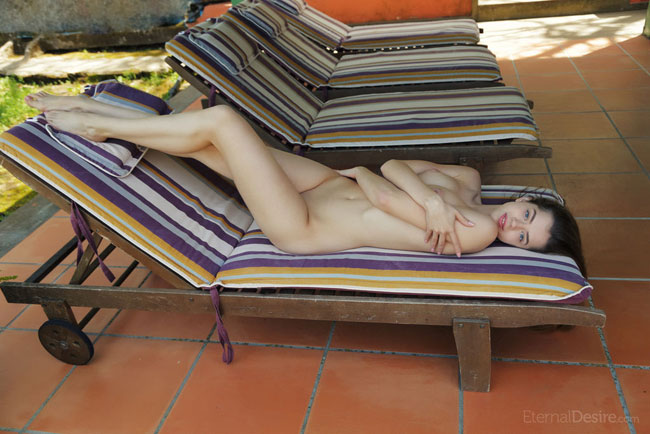 Lodging Featuring Kay J Sexy Erotic Nude Photo
