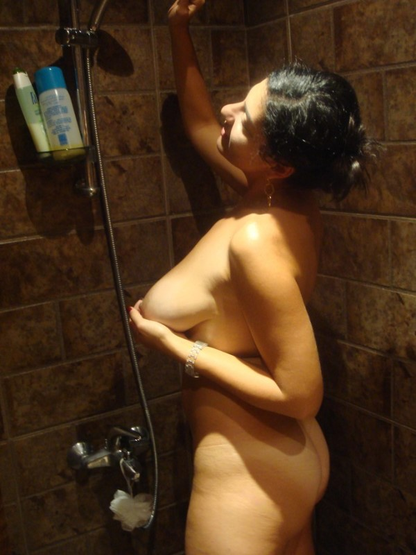 Sexy Girl Showering