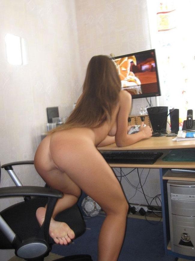 Sexy Gamer Girl