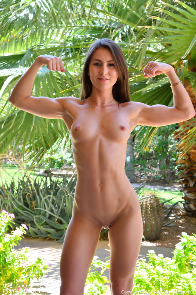 Naked Fit Girl