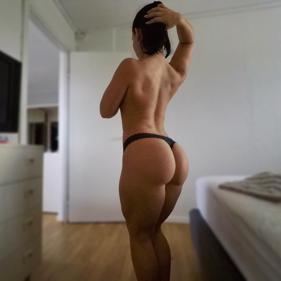 Fit Naked Girl Sexy Picture