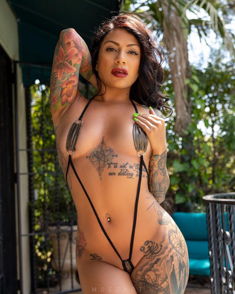 Hot Tattooed Girl