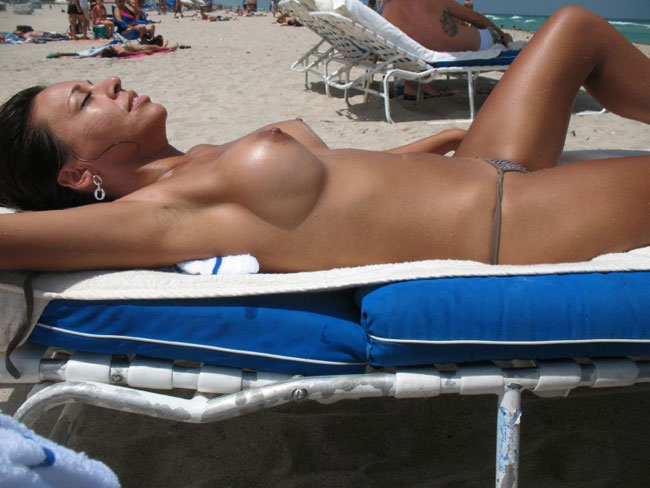 Sexy Babe Tanning
