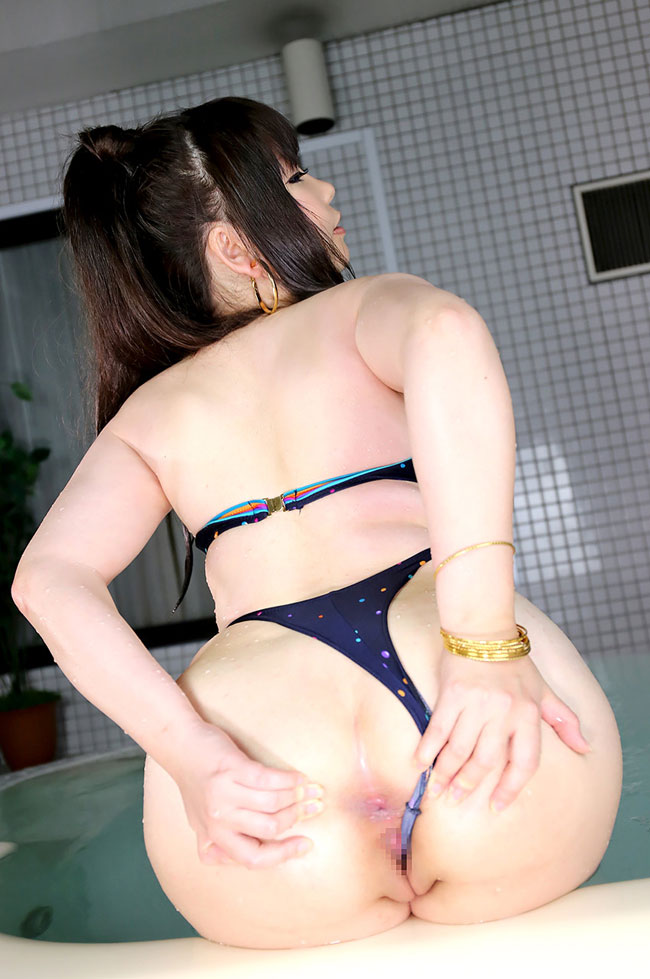 Juicy Asian Naked Chick