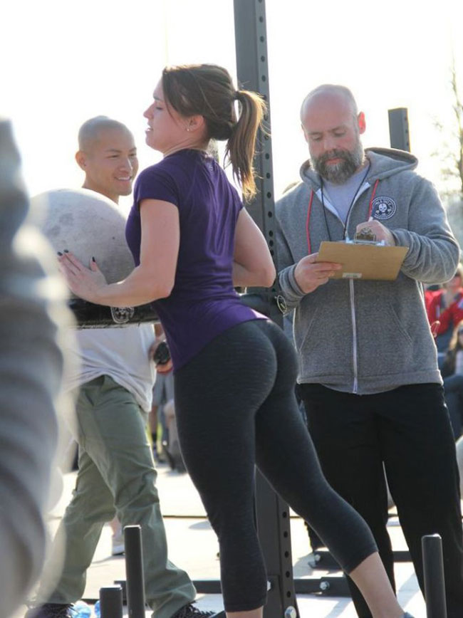 Girls In Yoga Pants
