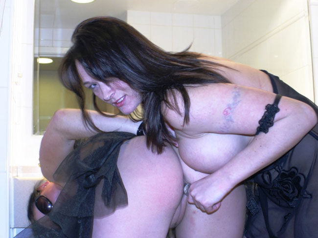Sexy Lesbian Porn Picture