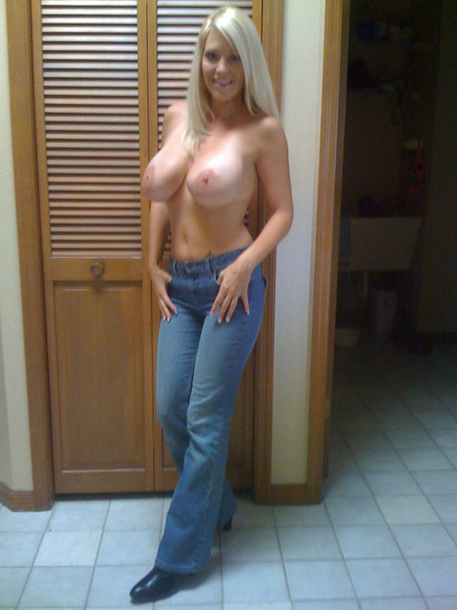 Sexy Milf Nude Picture