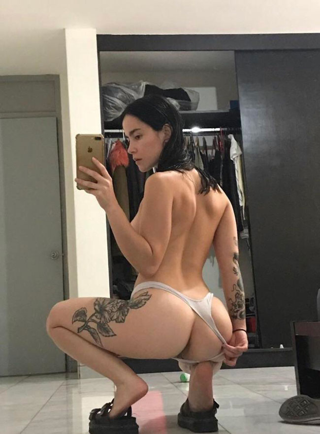 Panties To The Side Sexy Girl Pussy & Ass