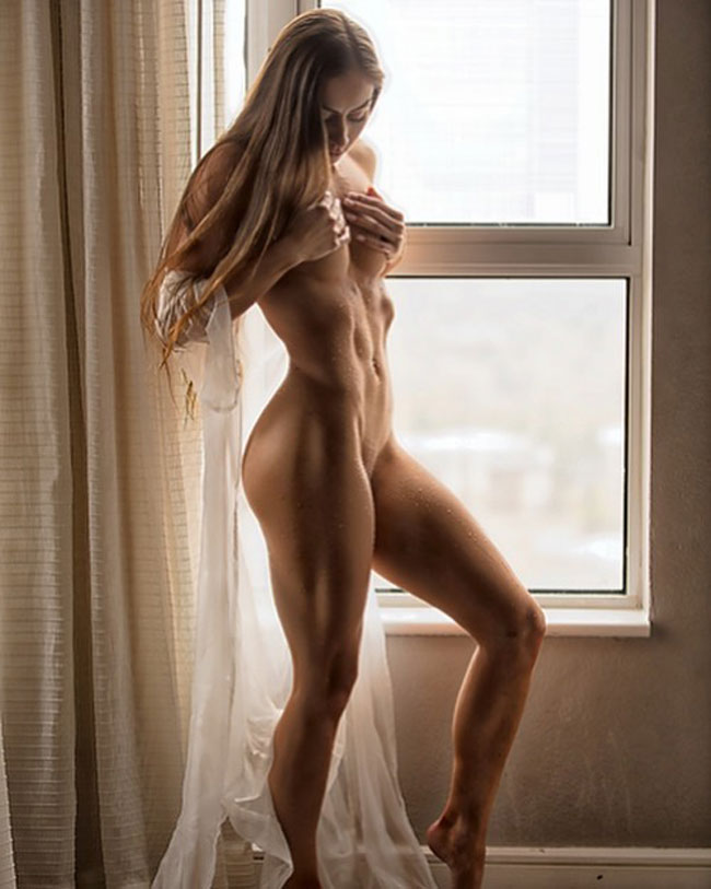 Sexy Fit And Naked Girl