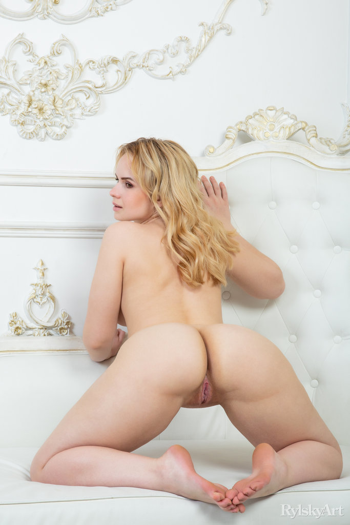 Hot Blonde Aster Nude Erotic Photography