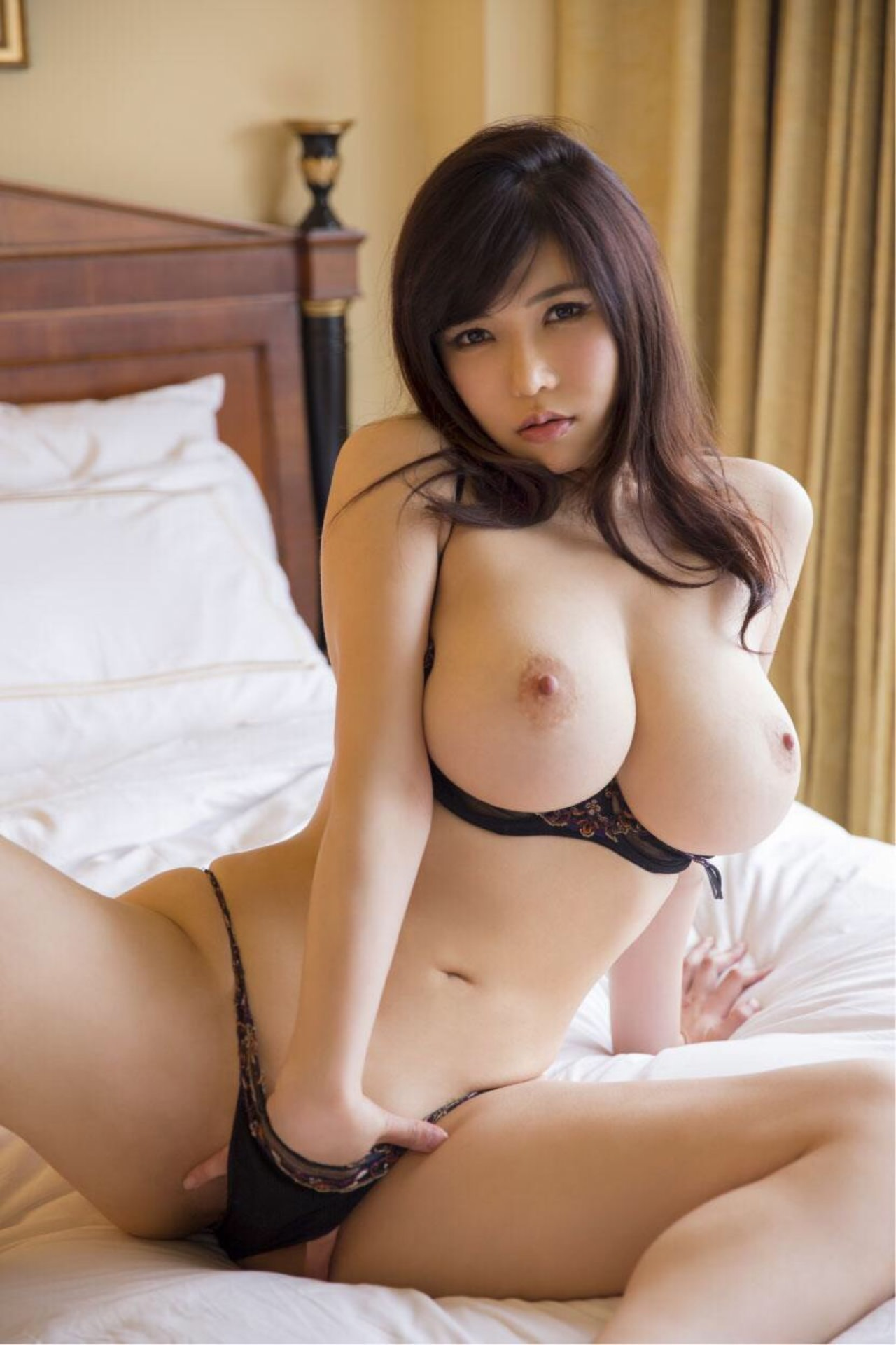 Perfect Asian Girl Fuck In One Hour