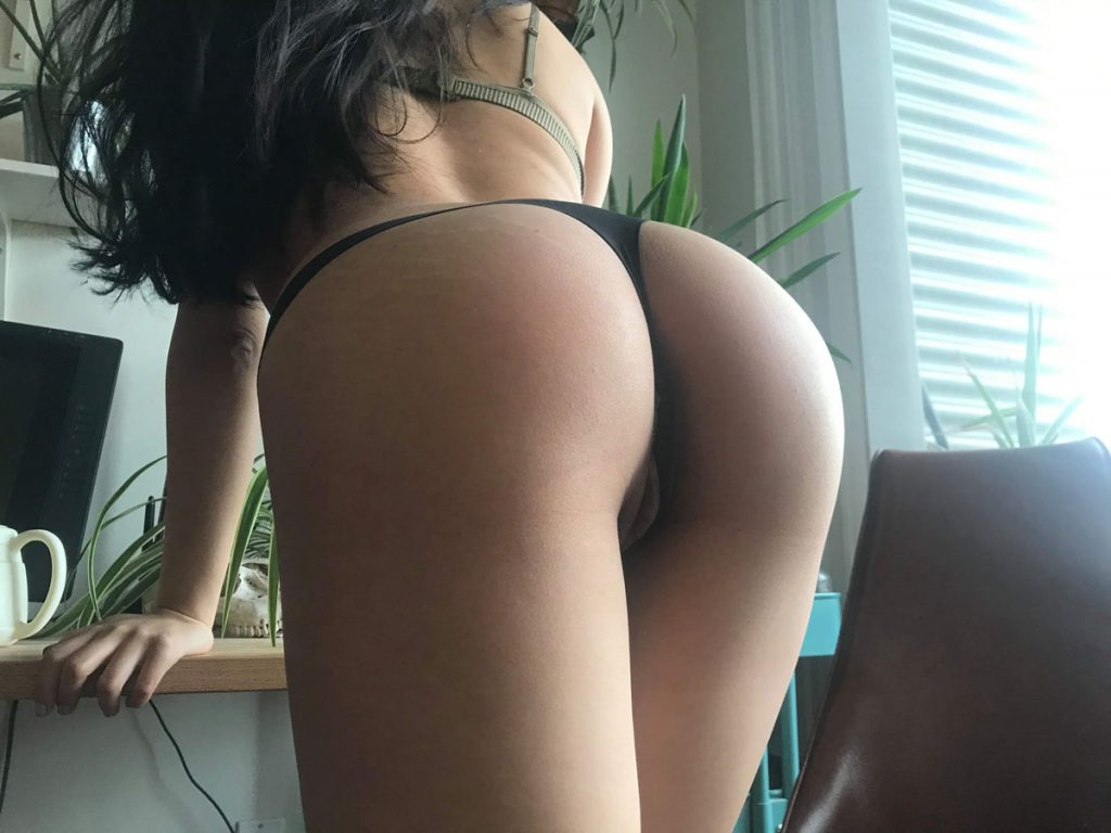 Ass In Thong Sexy Picture Of Girl