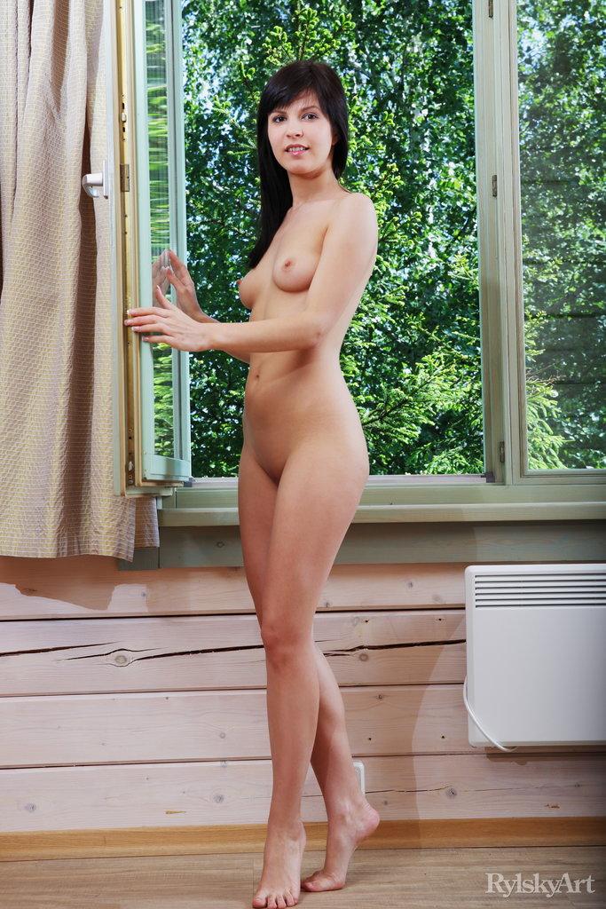 Hot Brunette Zelda Erotic Nude Photo