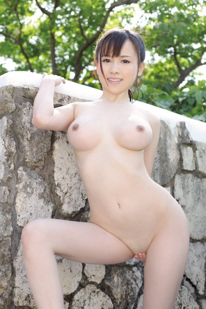 Hot And Juicy Asian Babe