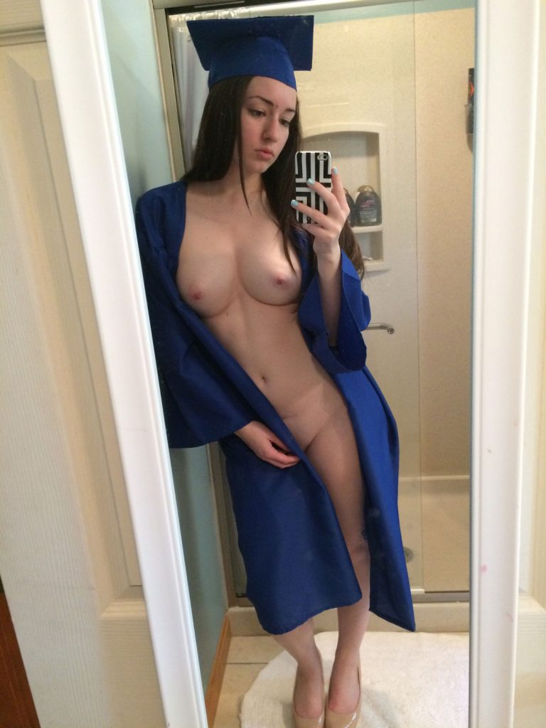 18 Year Old Girl Naked Photo