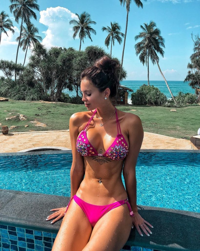 Fit Girl Hot Photo