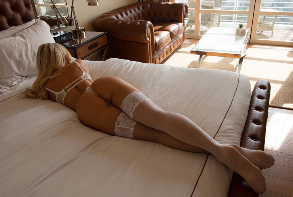 Girl In Stockings Sexy Photo