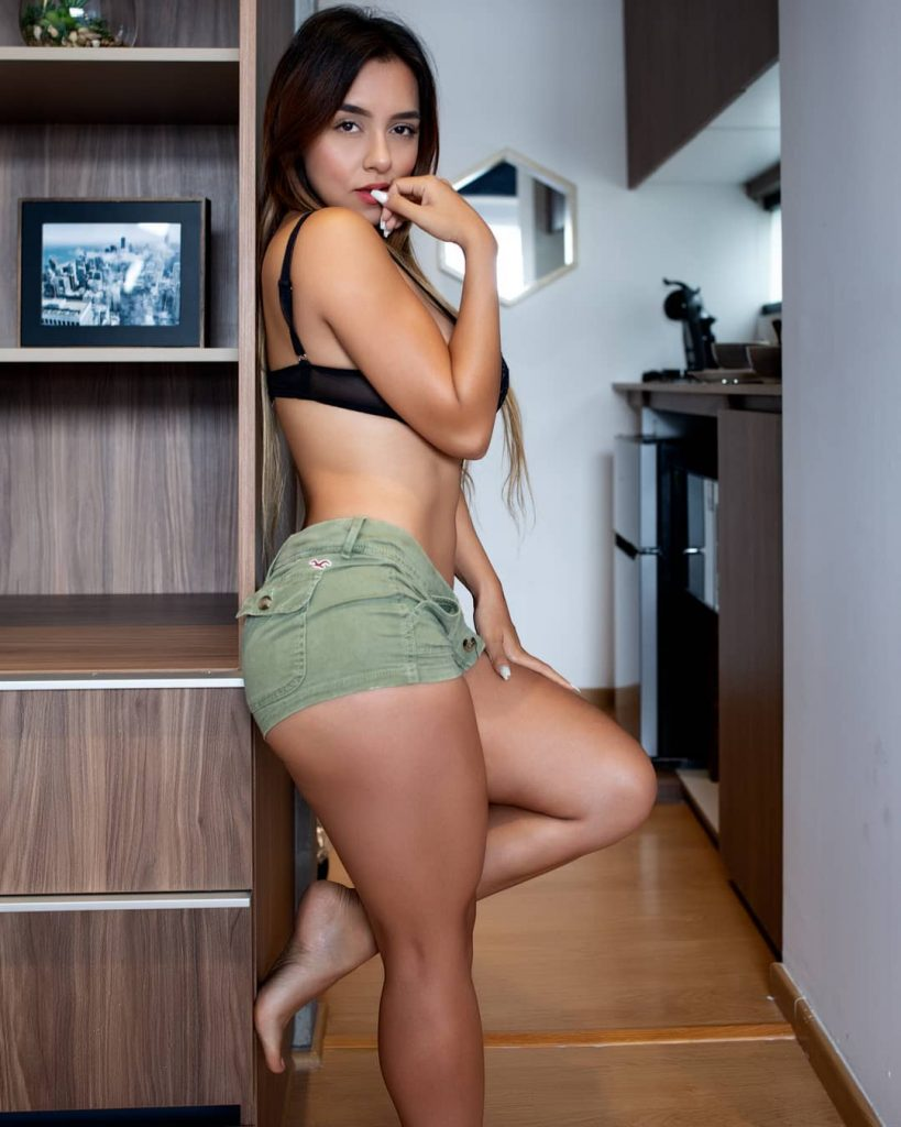 Hot Girl With Thick Thigh