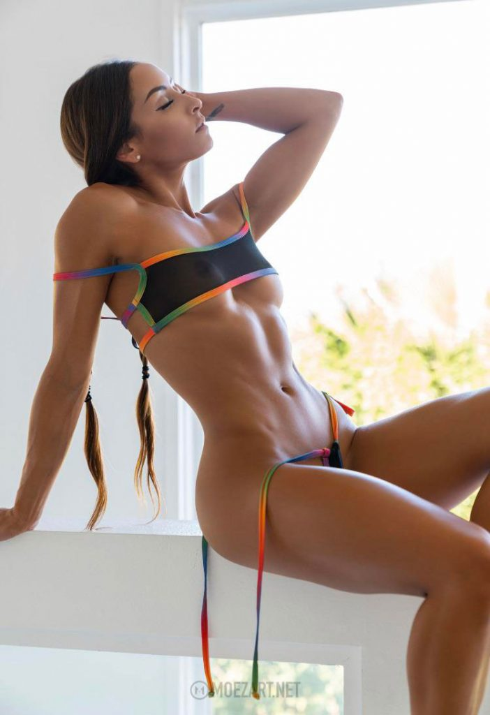 Nudist Fit Girl