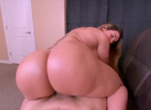 Big Booty Latina Milf Bounces Her Ass Savagely On Hard Cock