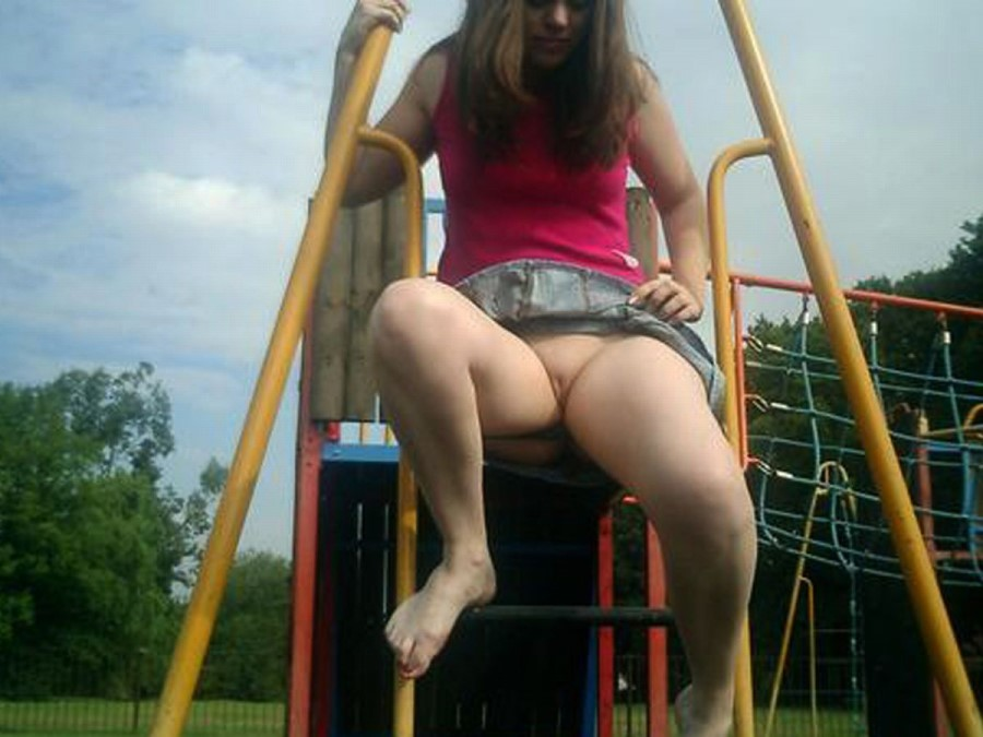 Girl Flashing Pussy In Public Playground