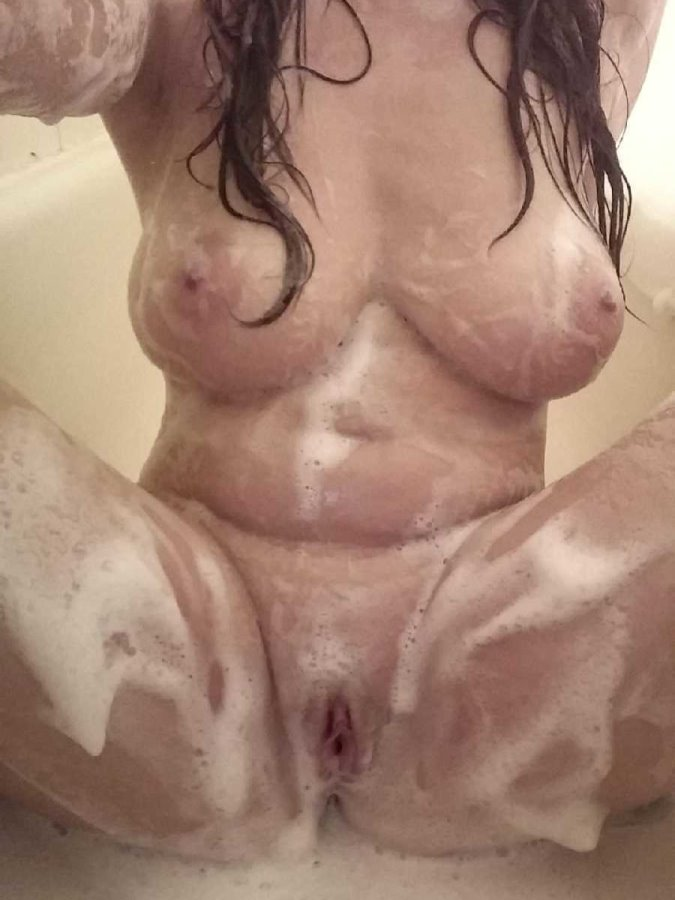 Soapy Girl Nude Photo
