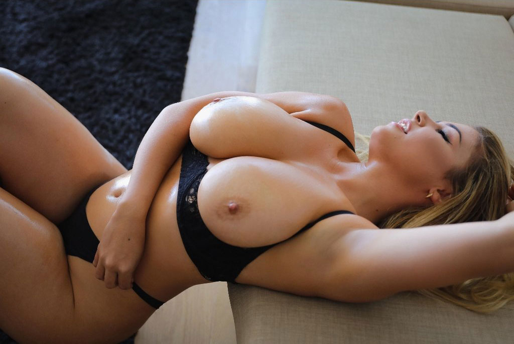 Girl With Squishy Boobs and Ass