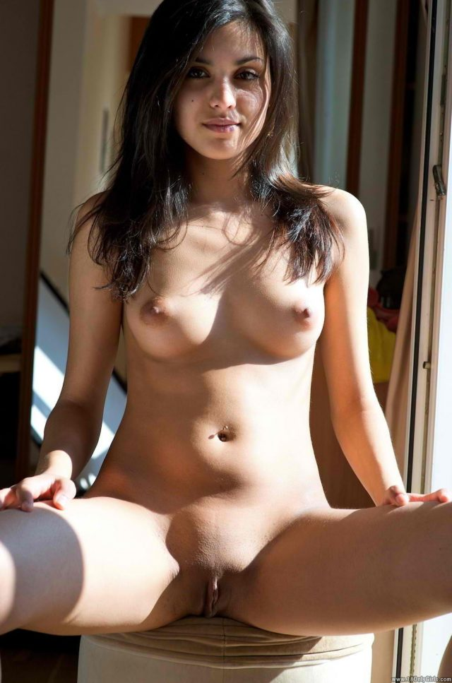 Indian girl Nude Photo