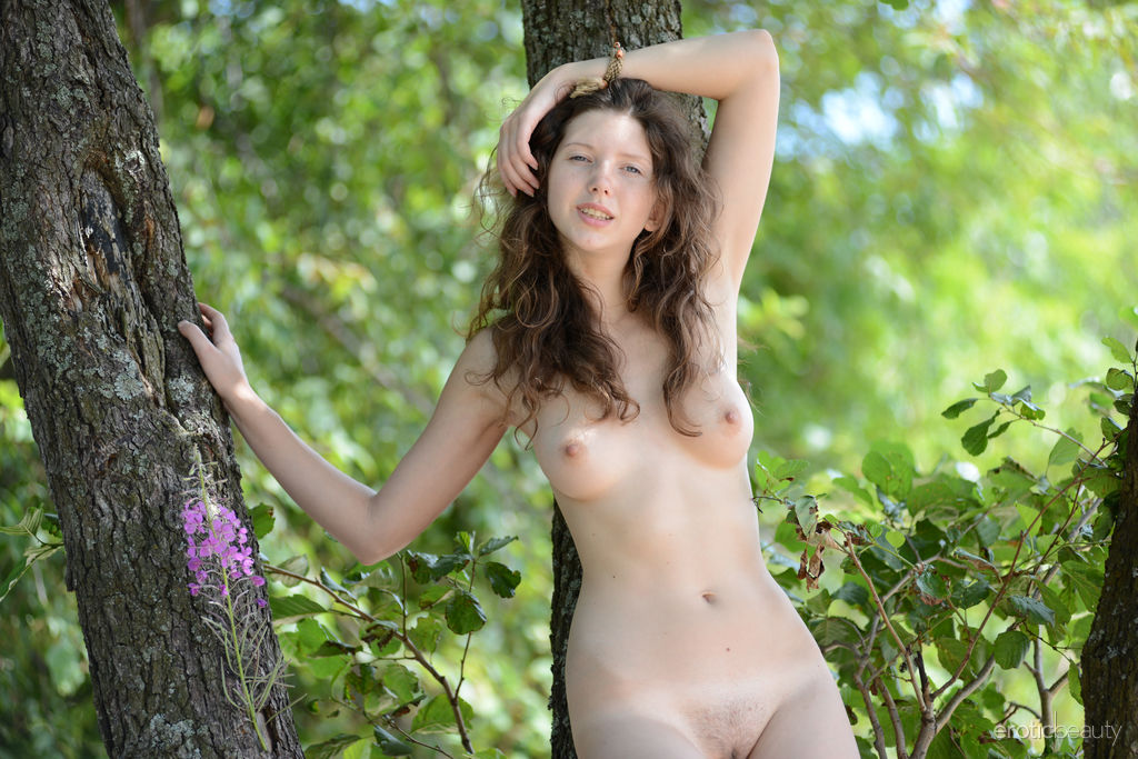 Anamika Erotic Beauty Gone Nude In Jungle