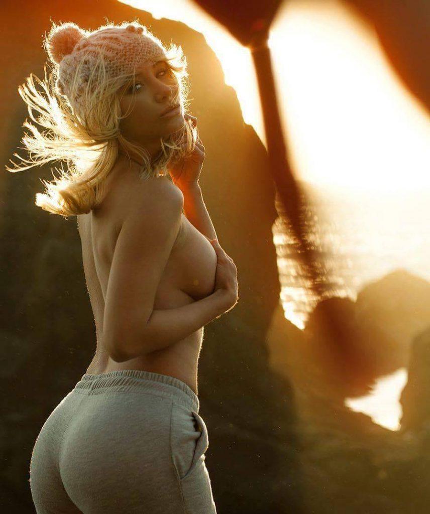 Underboob Hot Pic