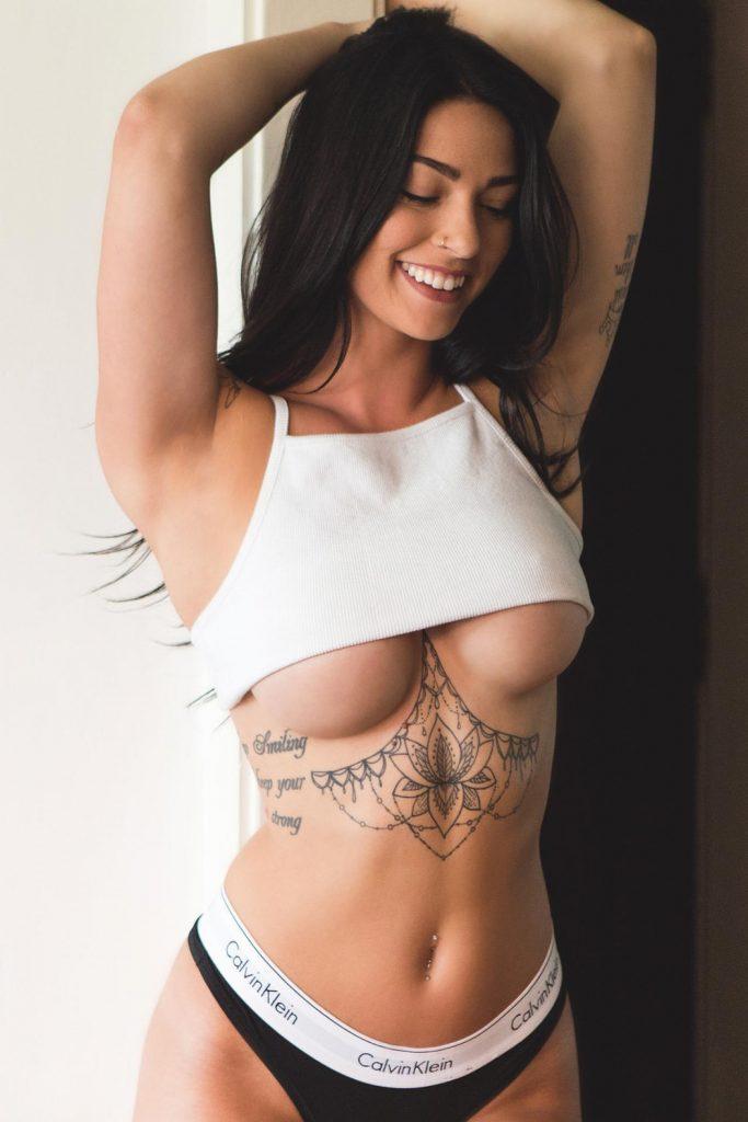 Underboob Nudes