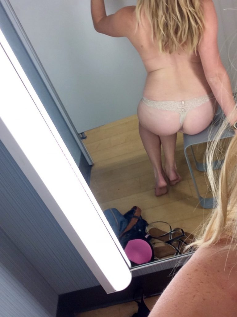 Sexy Changing Room Selfie