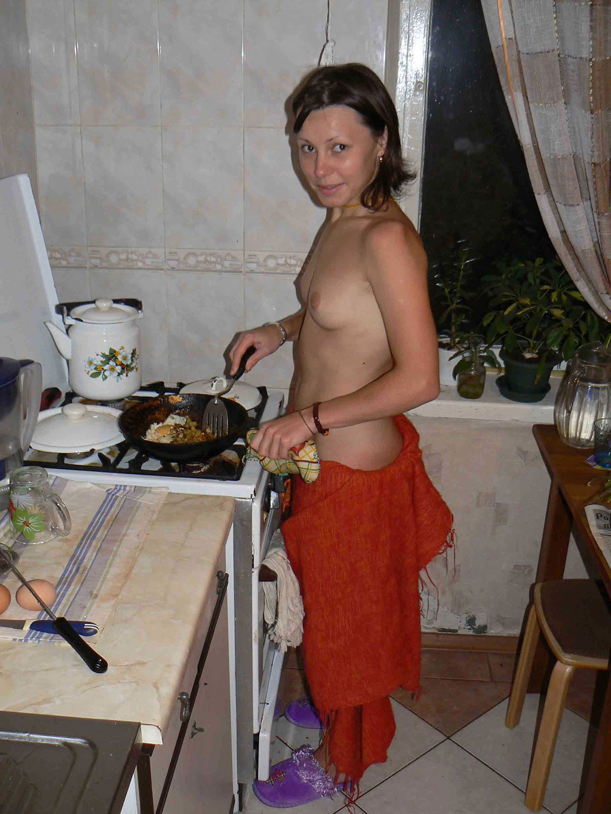 Girls in kitchen sexy pic