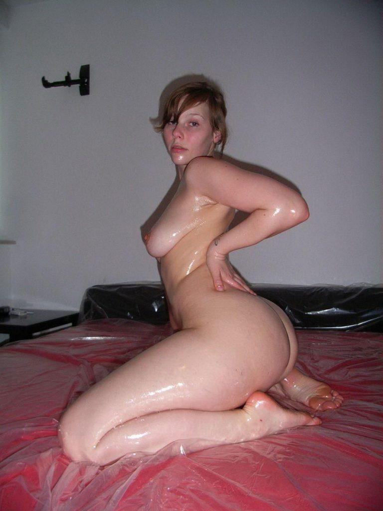 Oiled Up Nude Babe